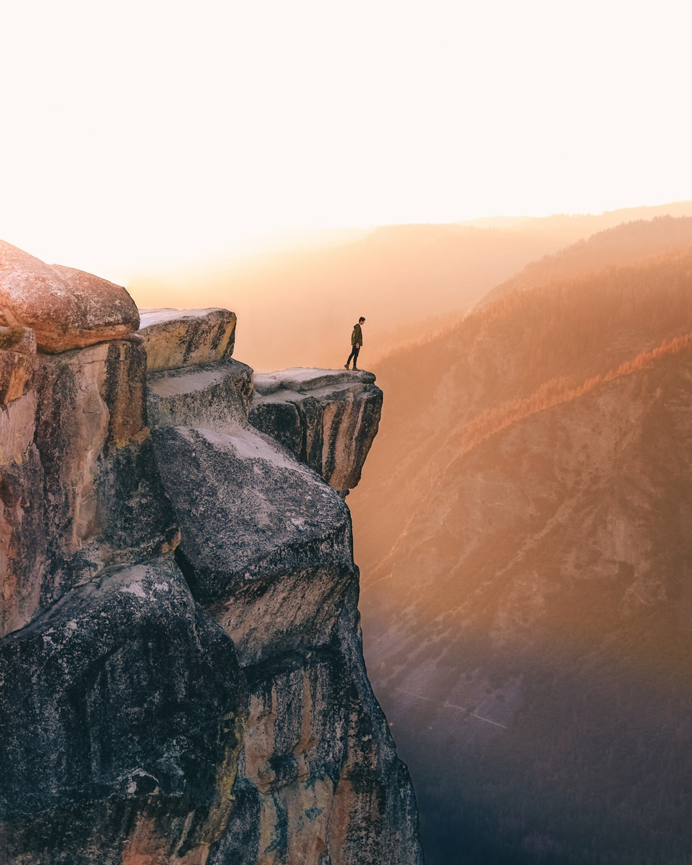 27 Cliff Pictures Download Images Stock Photos on Unsplash 1000x1250