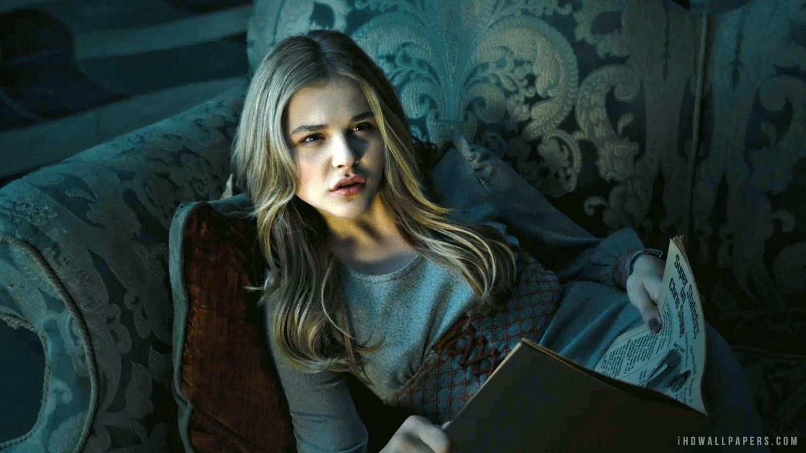 Description Download Chloe Grace Moretz in Dark Shadows Wallpaper 1600x900