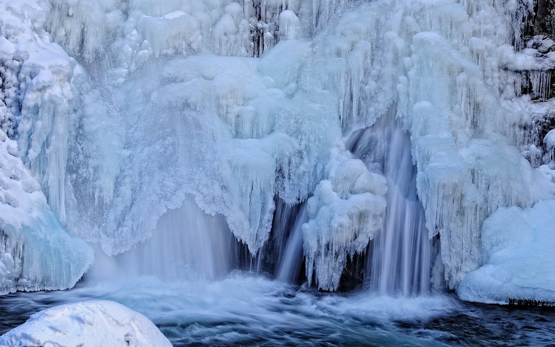 resolution wallpaper of waterfall picture of winter ice For Desktop 1920x1200