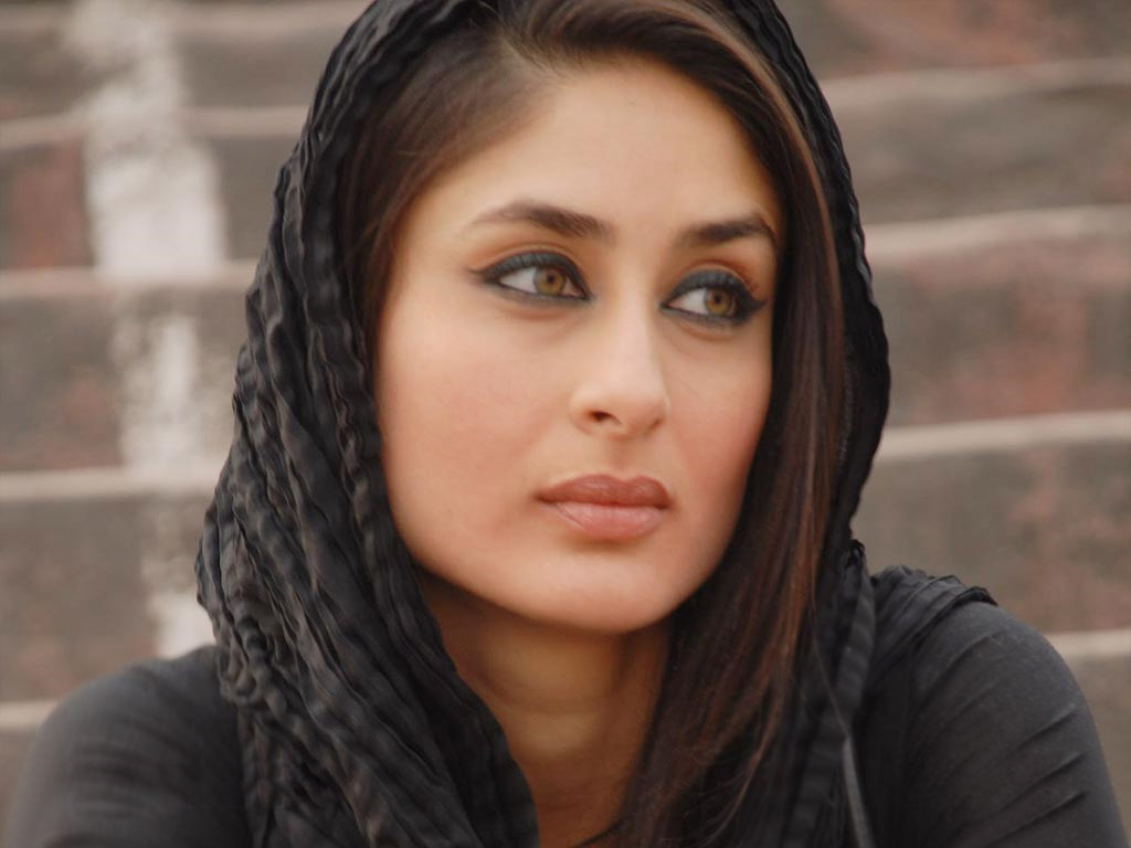 Kareena Kapoor HD Wall Papers 1024x768
