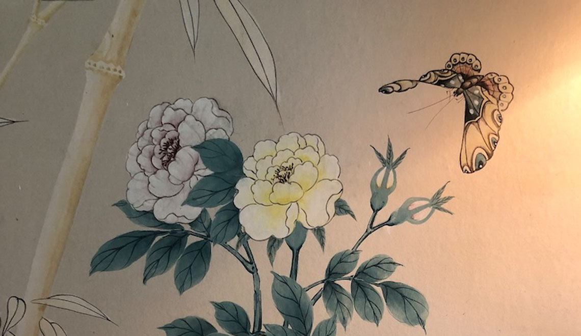 Classic Hand Painted Chinoiserie Wallpaper is In   Again   Sharp Eye 1140x660