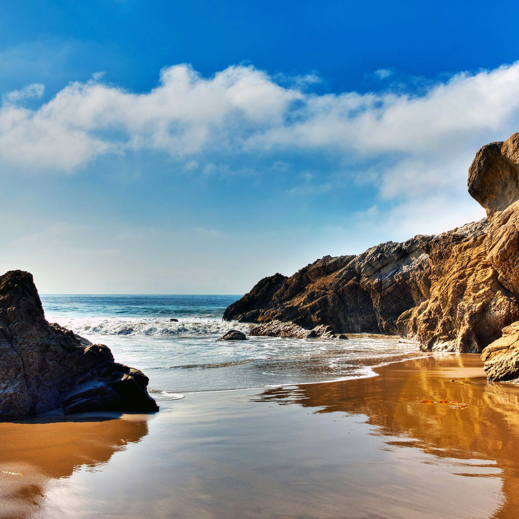 The wallpaper of beach at the Pacific Ocean in Malibu California 1024x1024