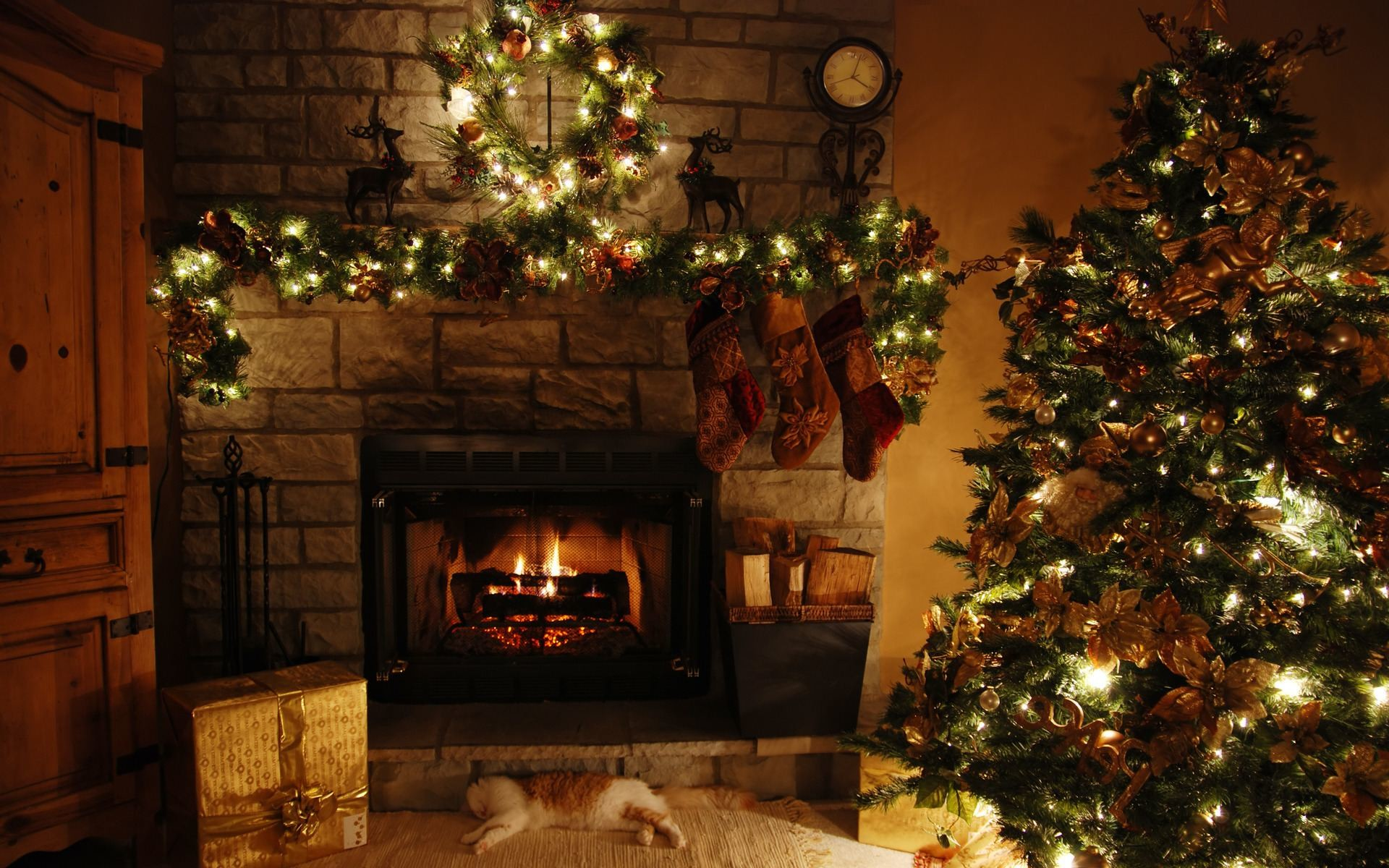 Christmas Fireplace Wallpaper 57 images 1920x1200
