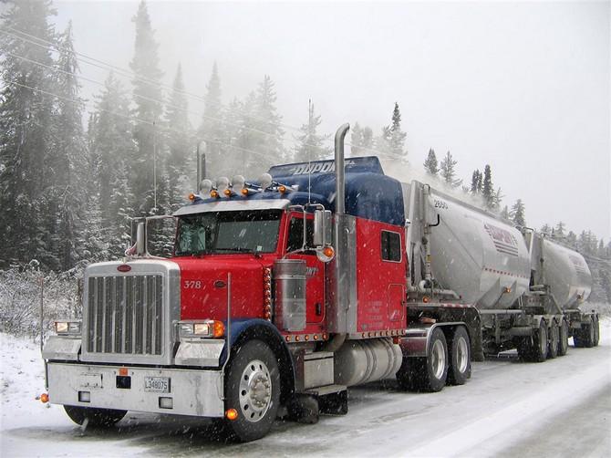 Peterbilt 379 11 wallpaper   Peterbilt   Trucks Buses   Wallpaper 670x502