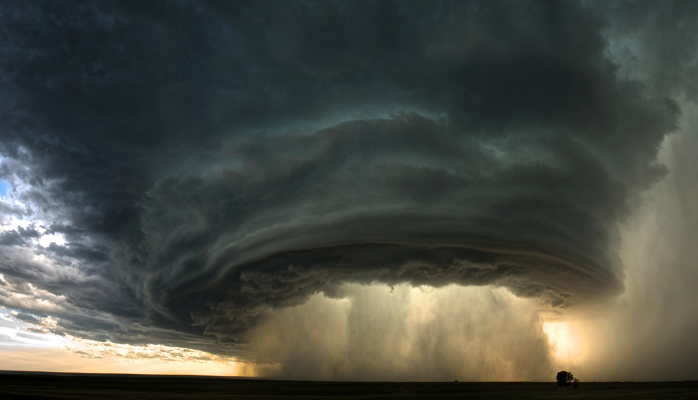 fantastic storm photo for national geographic by sean heavey 990x567