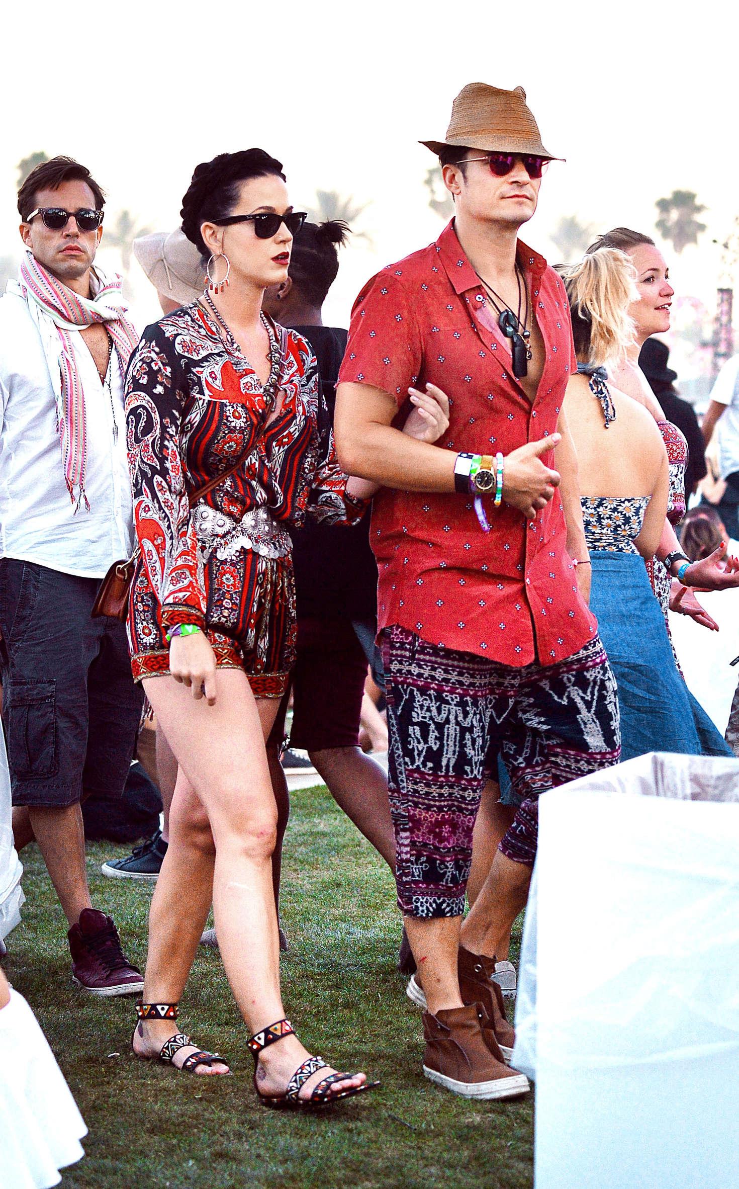 Katy Perry and Orlando Bloom Coachella 2016 day 3  01 1470x2364