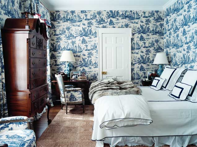 toile de jouy wallpaper fabric blue white decor francois halard home 636x477