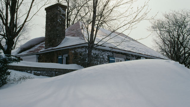 Staying Warm During a Winter Storm Todays Homeowner   Page 2 640x360