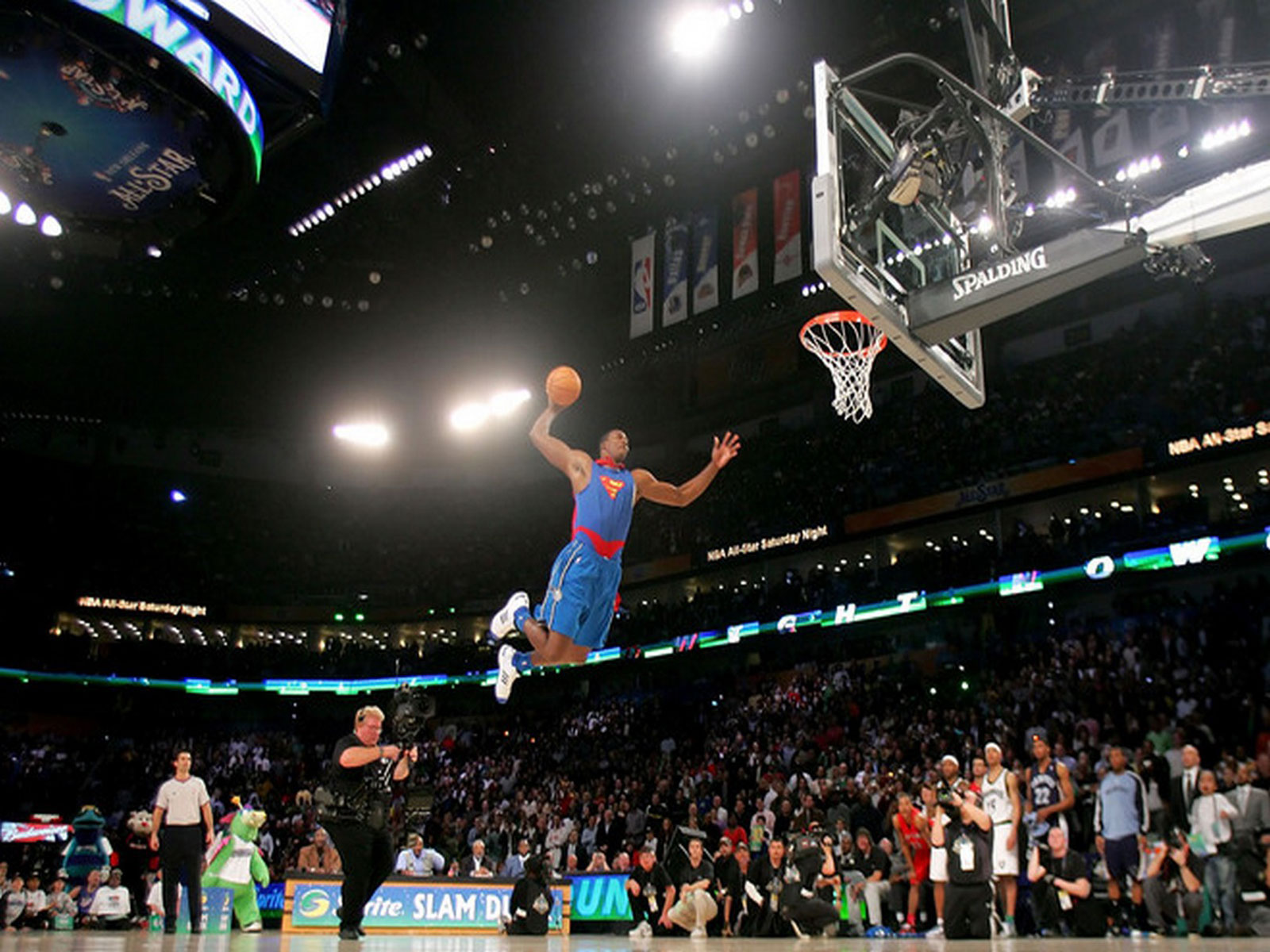 NBA Dunk Contest computer desktop wallpapers pictures images 1600x1200
