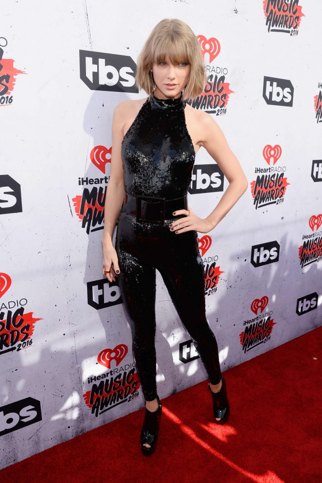 Taylor Swift iHeartRadio Music Awards 2016  19   GotCeleb 662x994