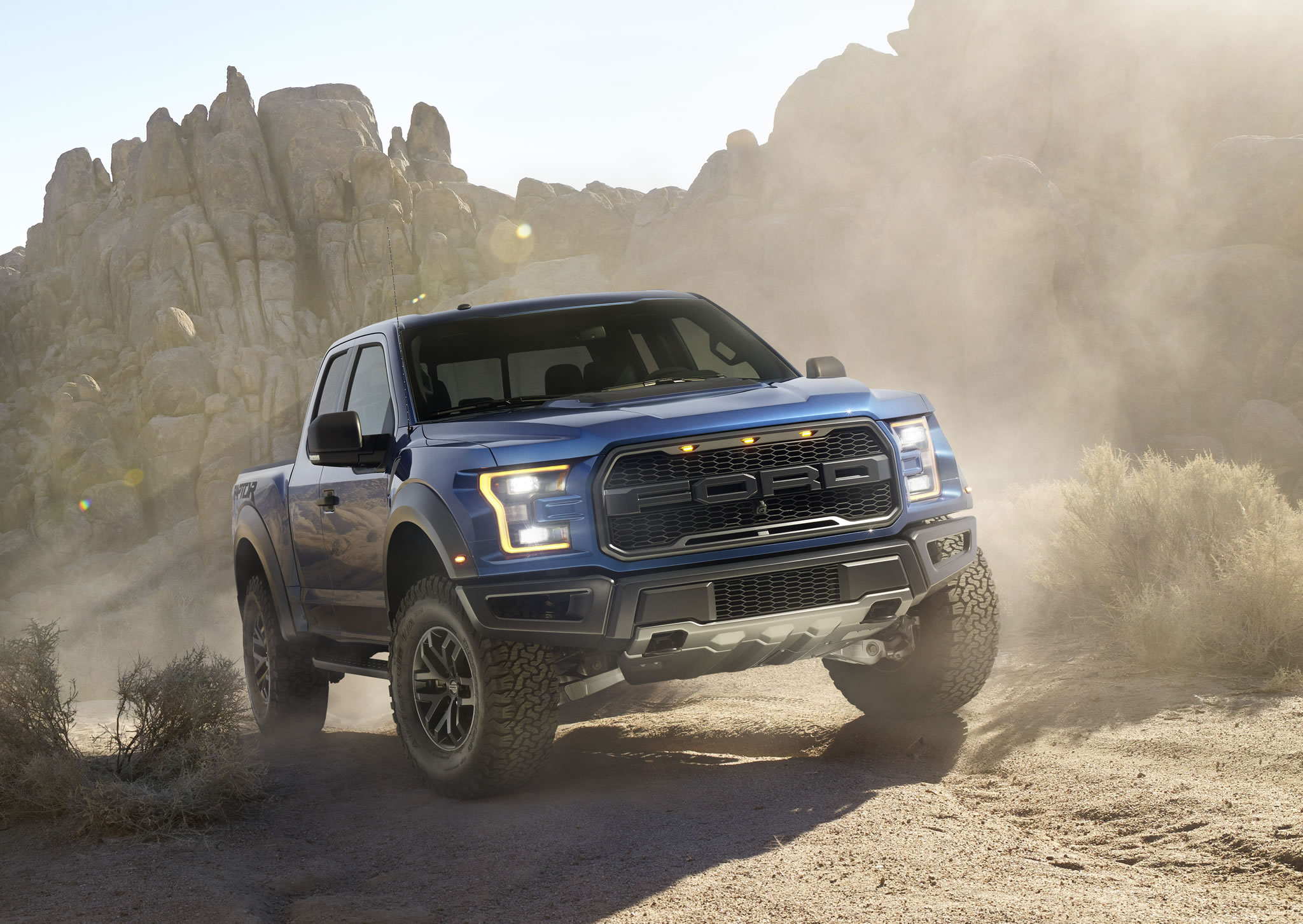 2016 Ford F 150 Raptor   front photo blue color size 2048 x 1452 nr 2048x1452