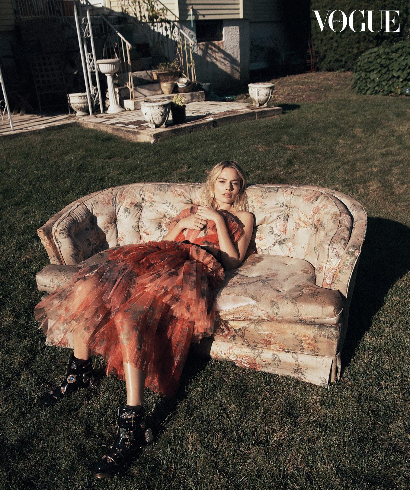 Margot Robbie images Margot Robbie Vogue Australia December 1358x1624