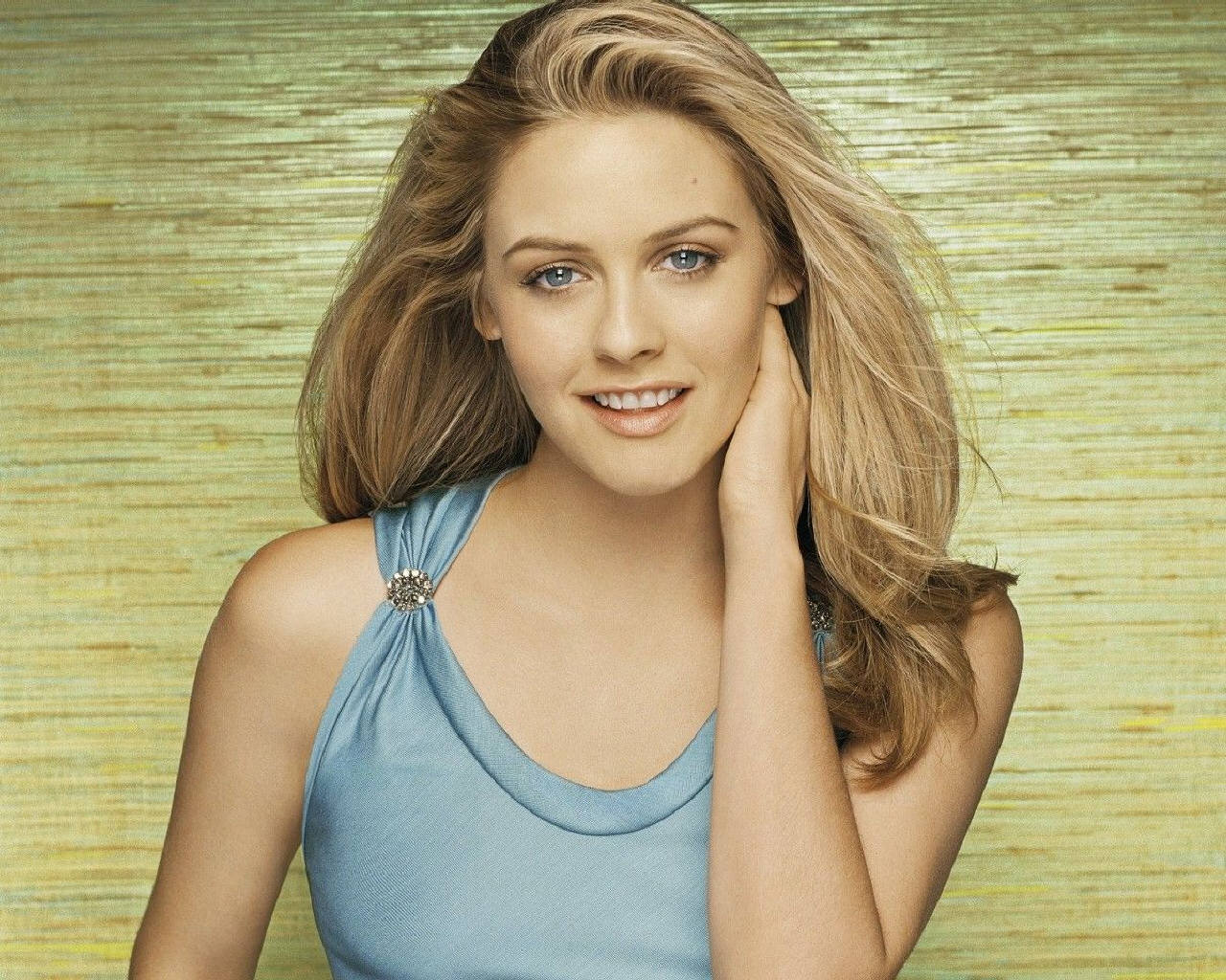 33 Alicia Silverstone Wallpapers On Wallpapersafari