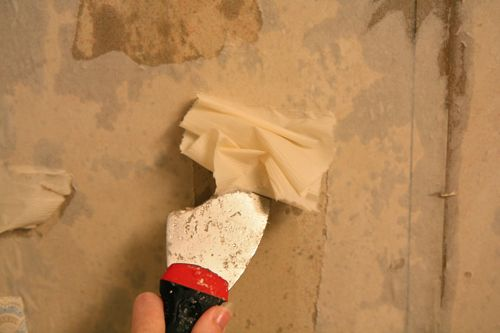 Removing The Wallpaper First Drywalldoccom Drywall And Sheetrock 500x333