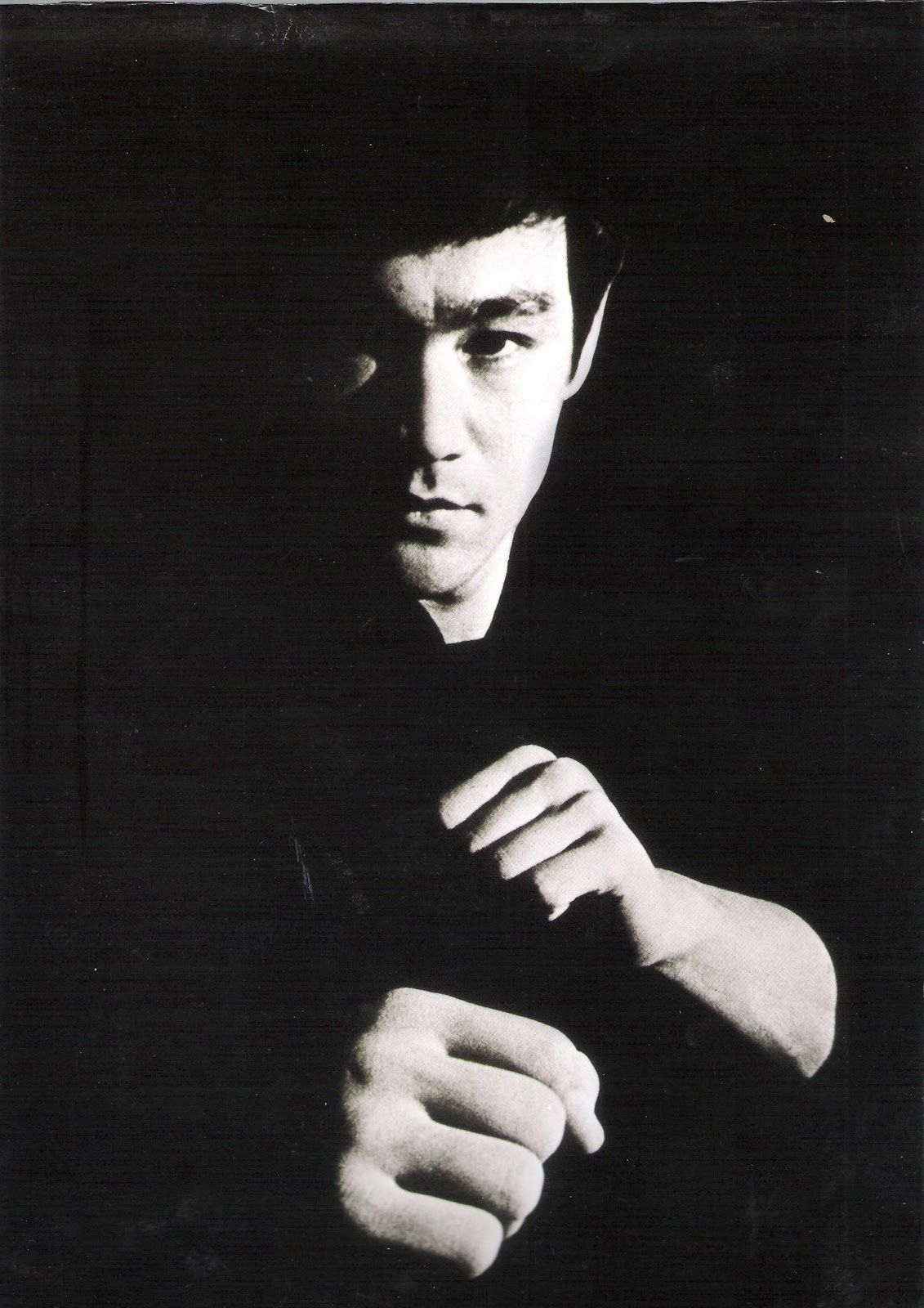 Bruce Lee Tao of Jeet Kune Do book cover photo Little Dragon 1131x1600