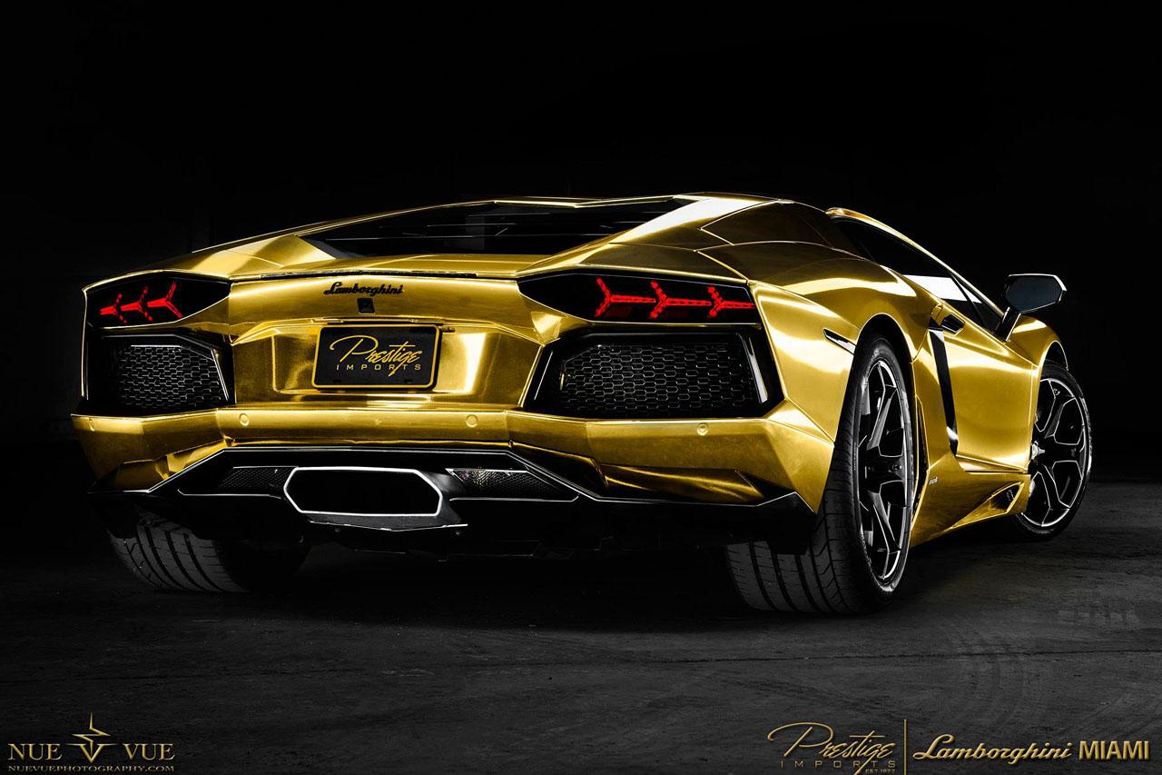 Free Download Wallpaper Gold Lamborghini Aventador Wallpaper