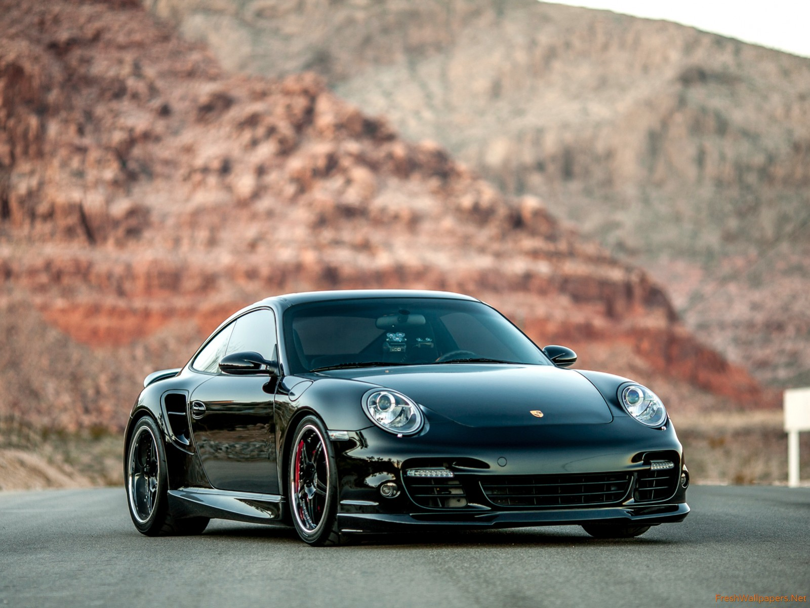Porsche 911 Turbo Wallpapers and Background Images   stmednet 1600x1200