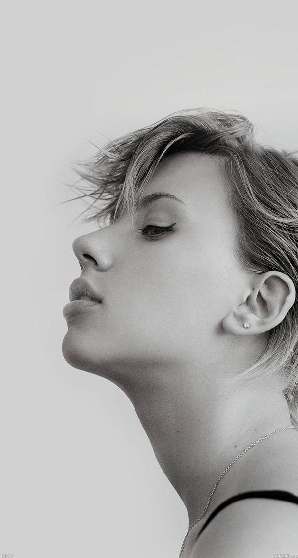 Scarlett Johansson Sexy Black White iPhone 5s Wallpaper in 607x1136