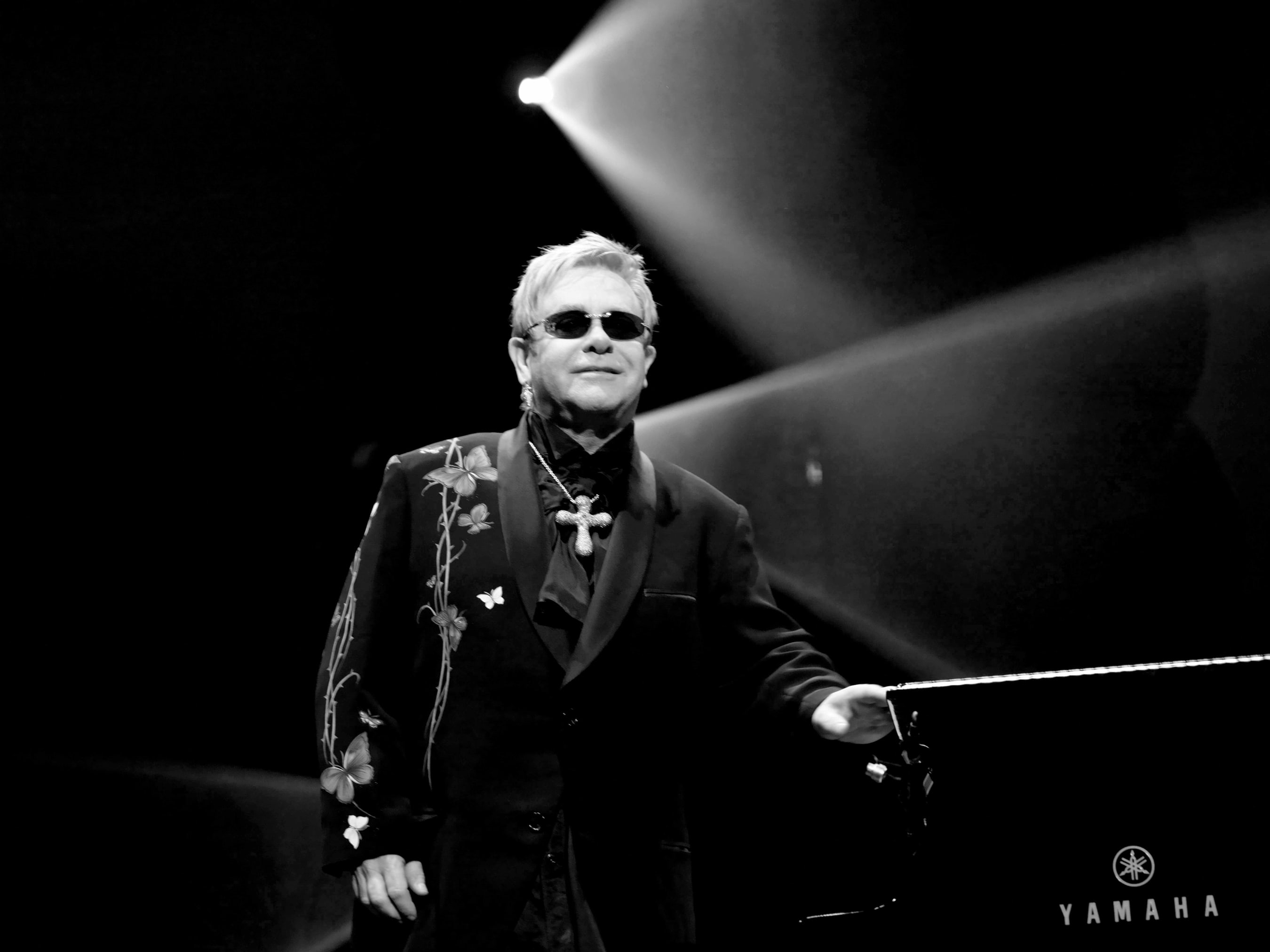 Elton John HD Wallpapers 7wallpapersnet 2700x2025