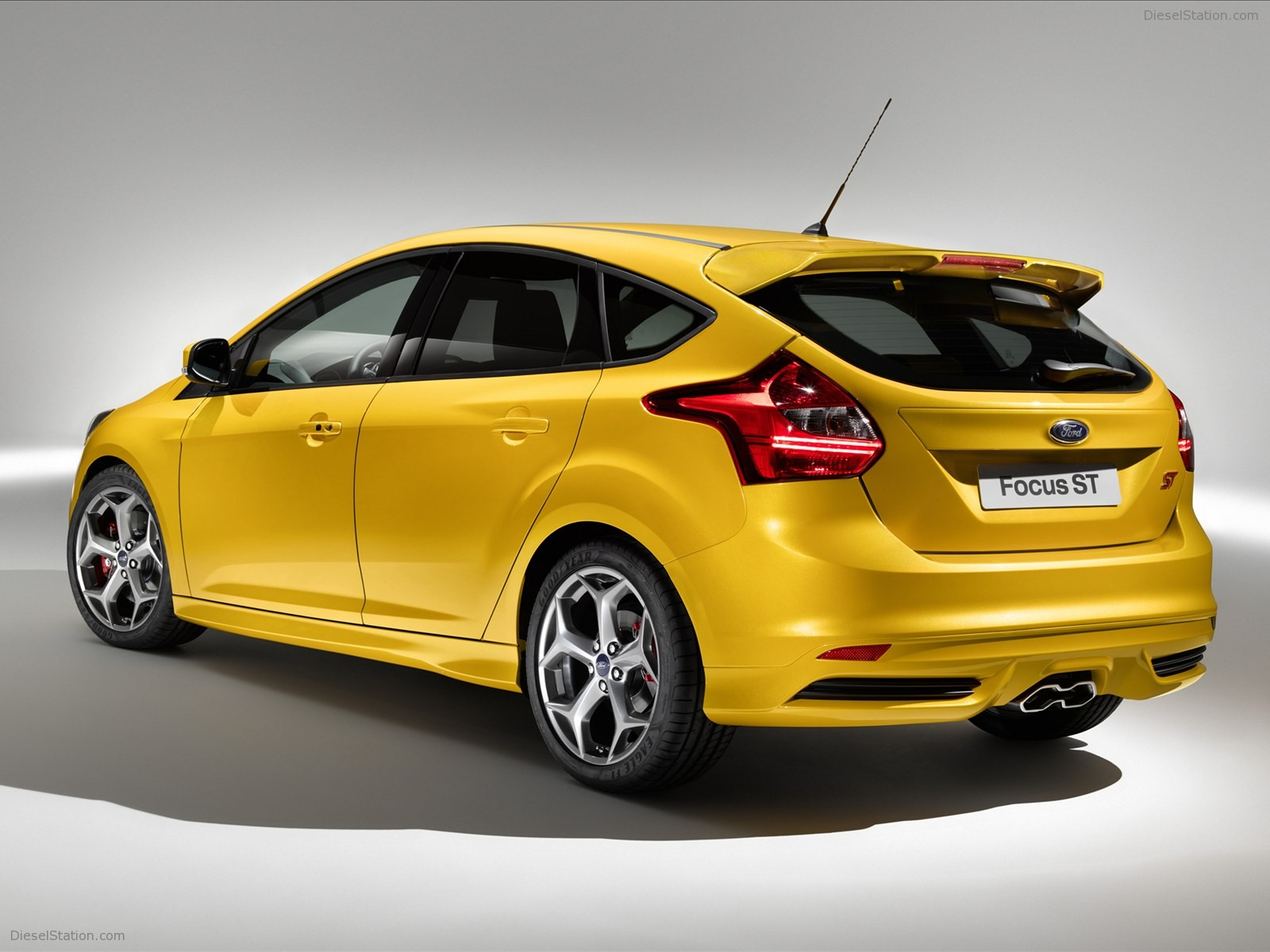 Home Ford Ford Focus ST 2013 1600x1200