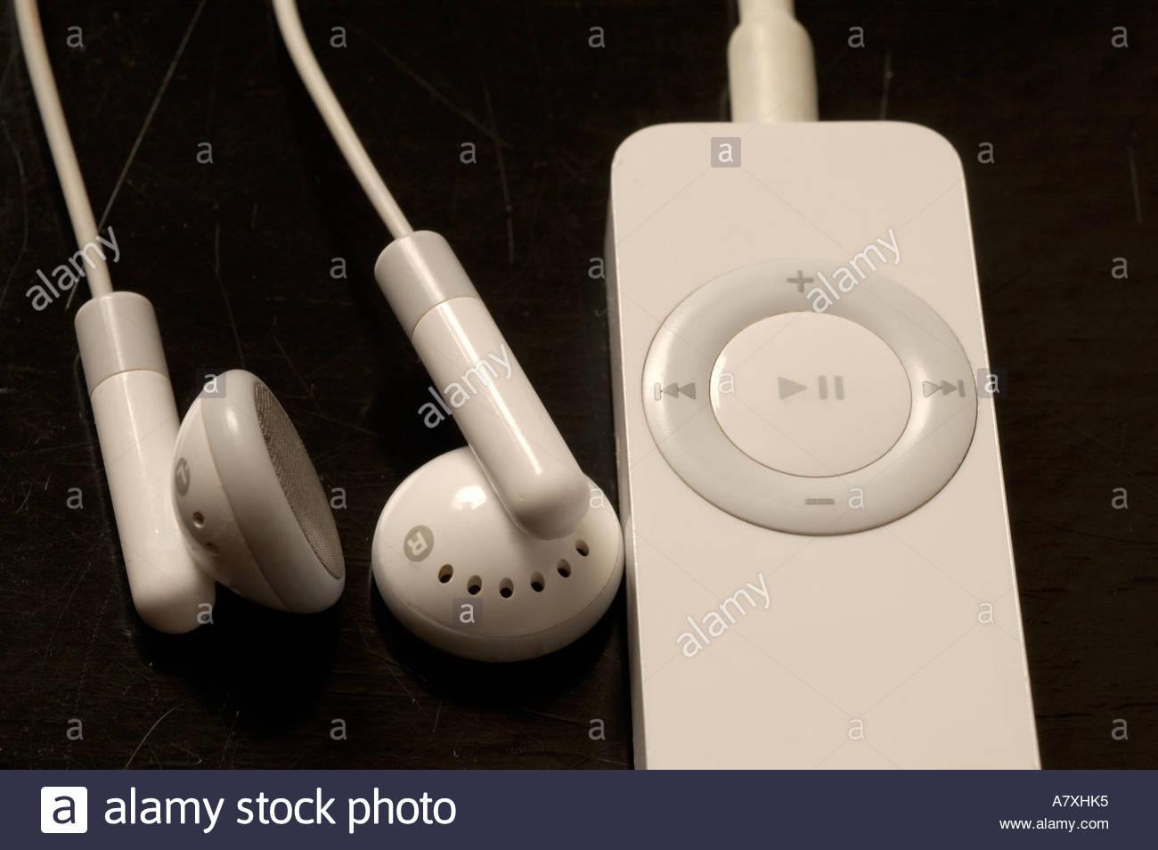 apple iPod shuffle at black background Stock Photo 6816500   Alamy 1300x954