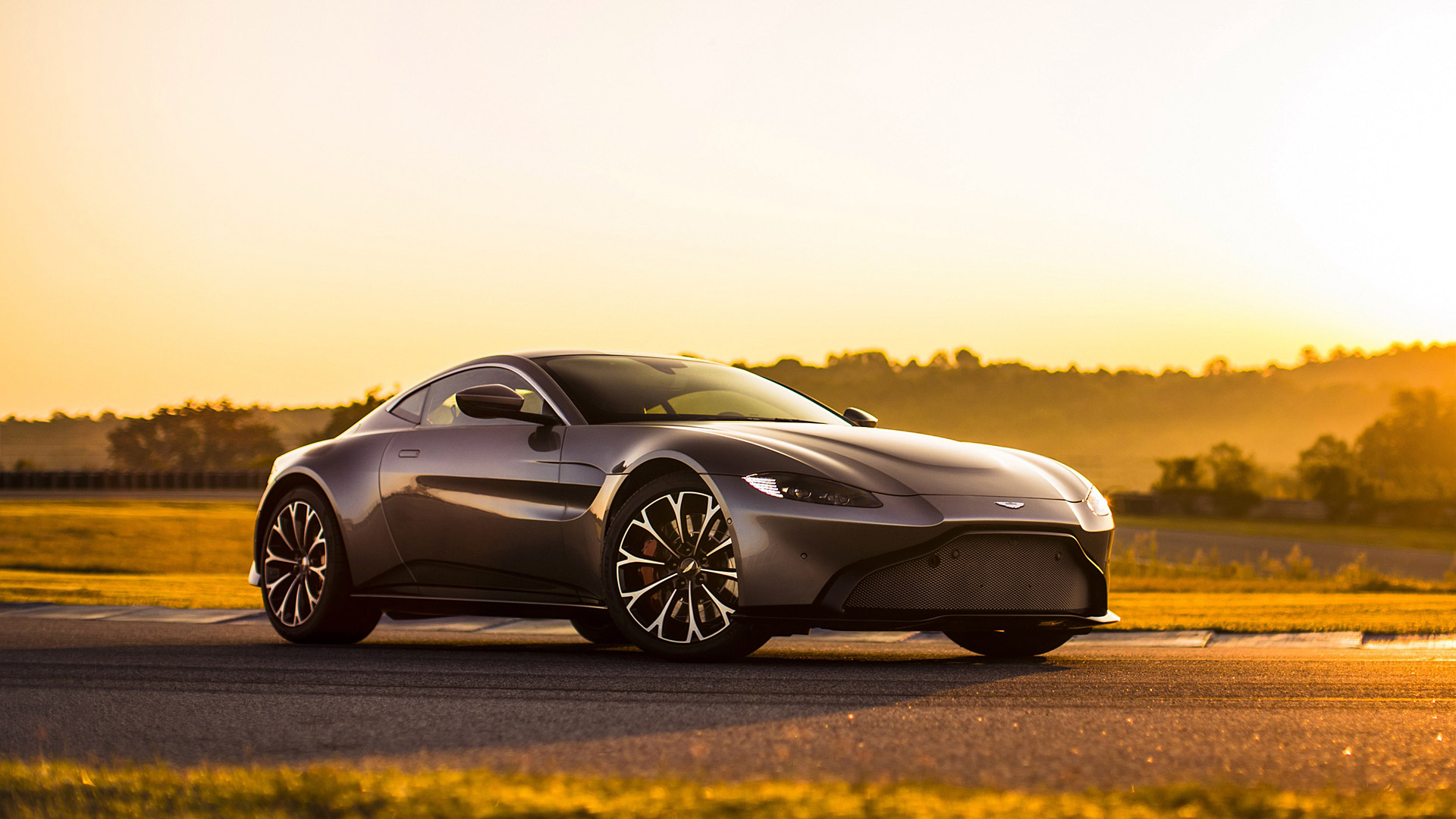 2019 Aston Martin Vantage Wallpapers HD Images   WSupercars 1920x1080