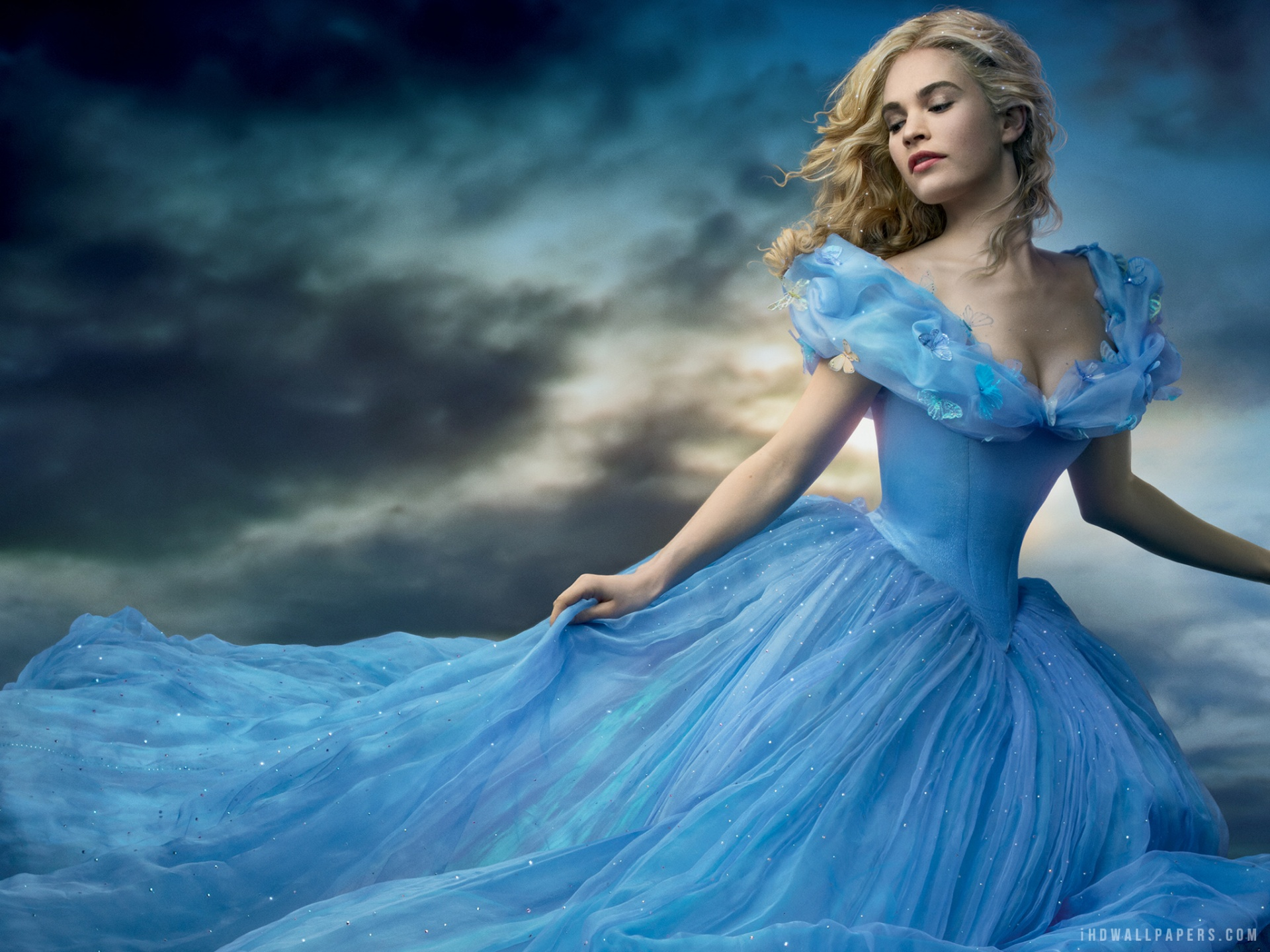 Cinderella 2015 Movie Wallpaper 1920x1440