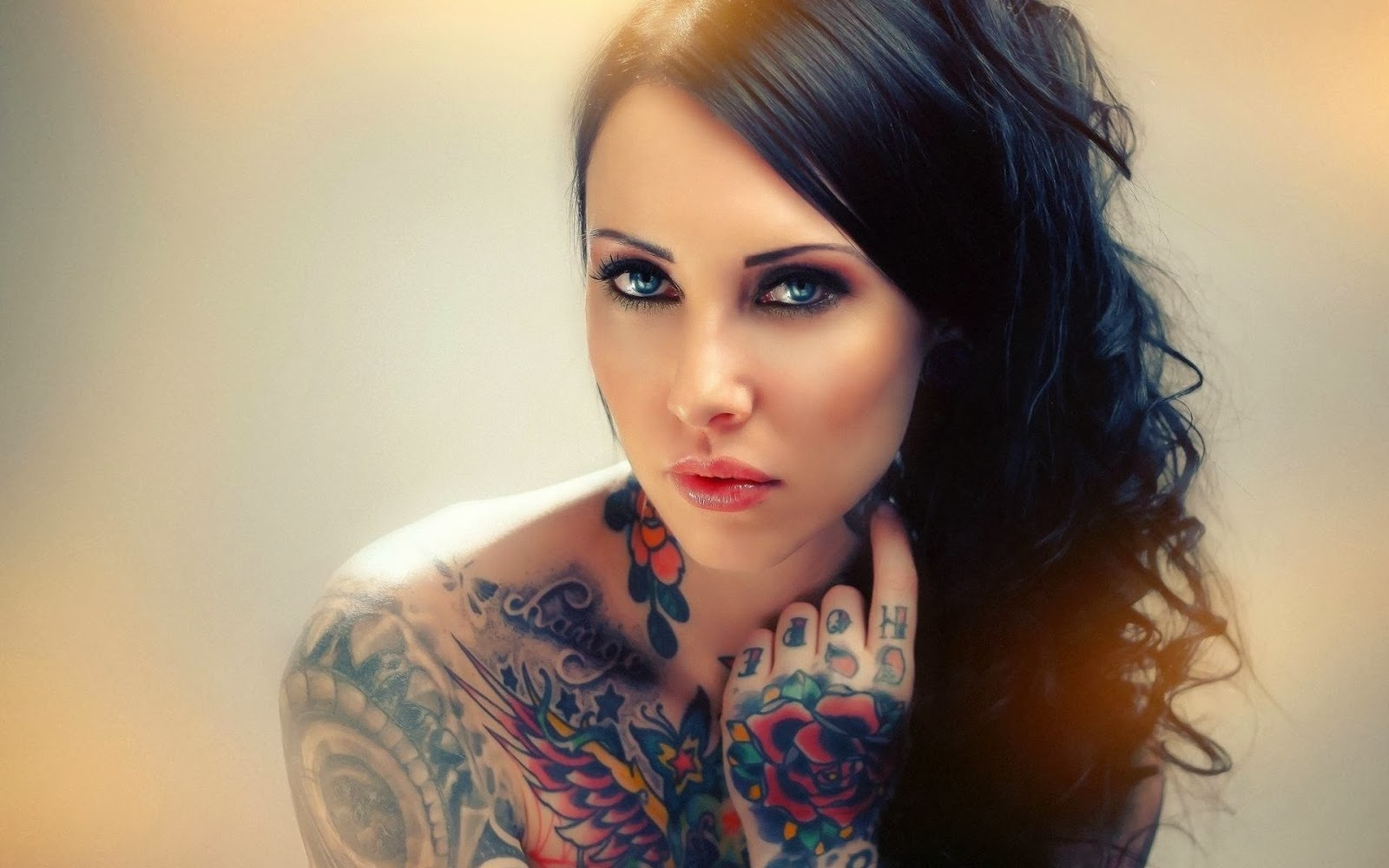 sexy girls tattooed girls inked and sexy hot wallpapers 1600x1000