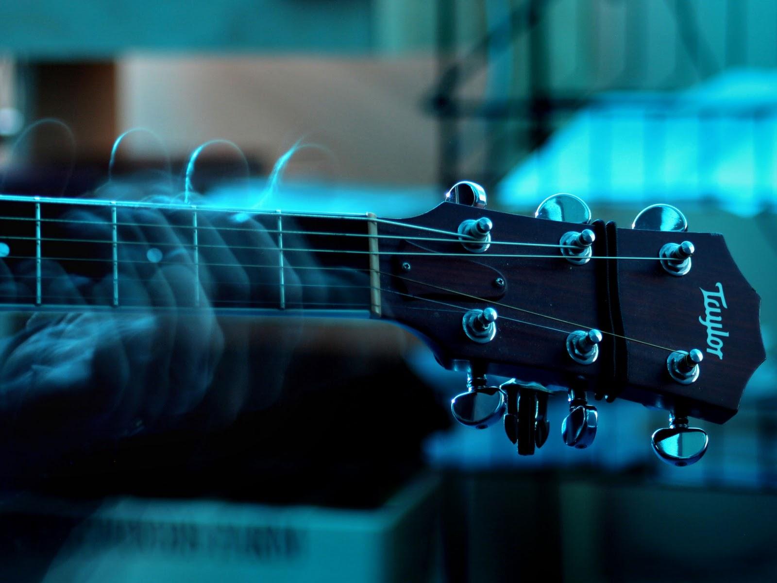 Guitar Wallpaper   Playing Taylor Guitar   1920x1440 Great Guitar 1600x1200