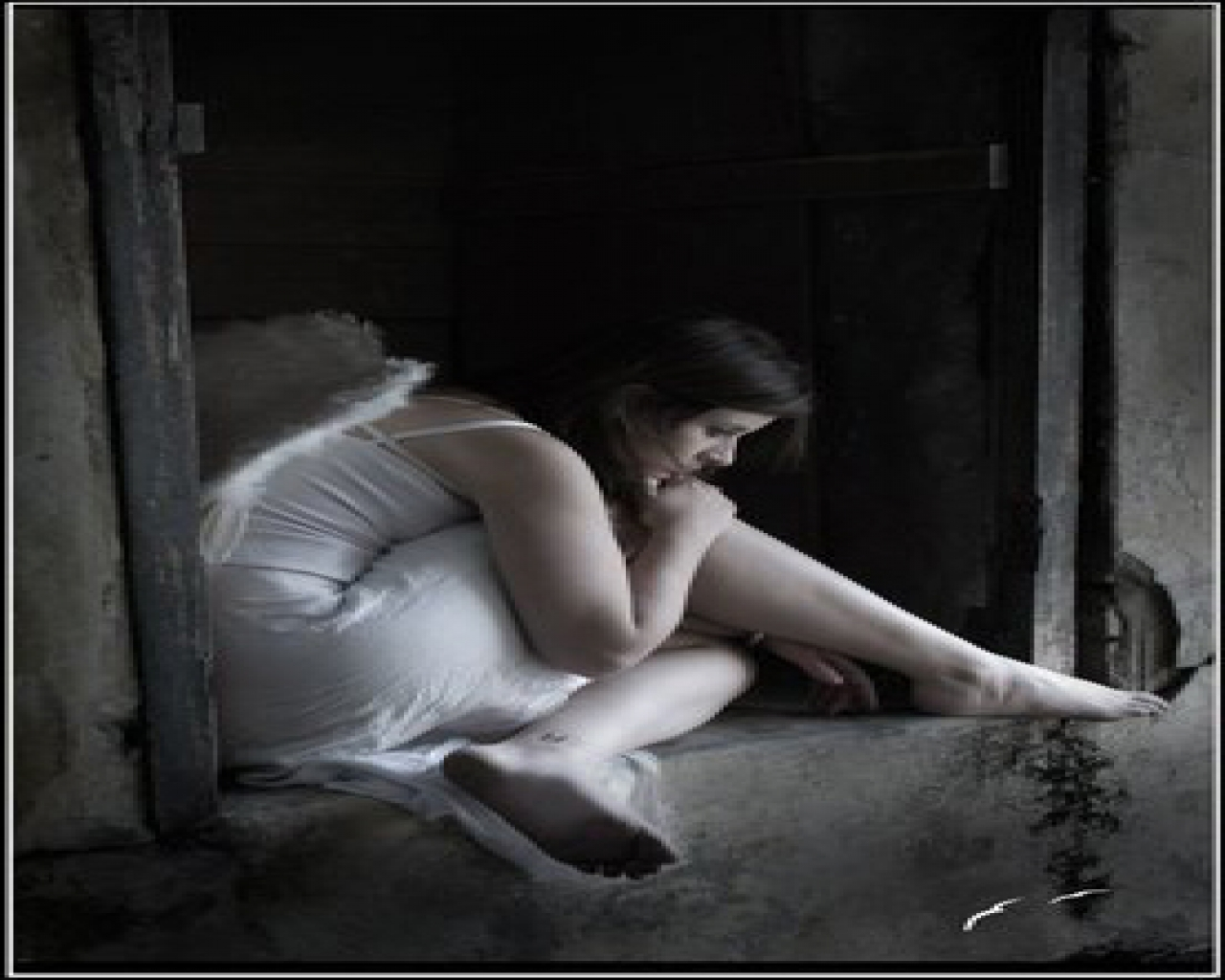 Alone Sad Girl Wallpaper 1280x1024 pixel Popular HD Wallpaper 5255 1280x1024