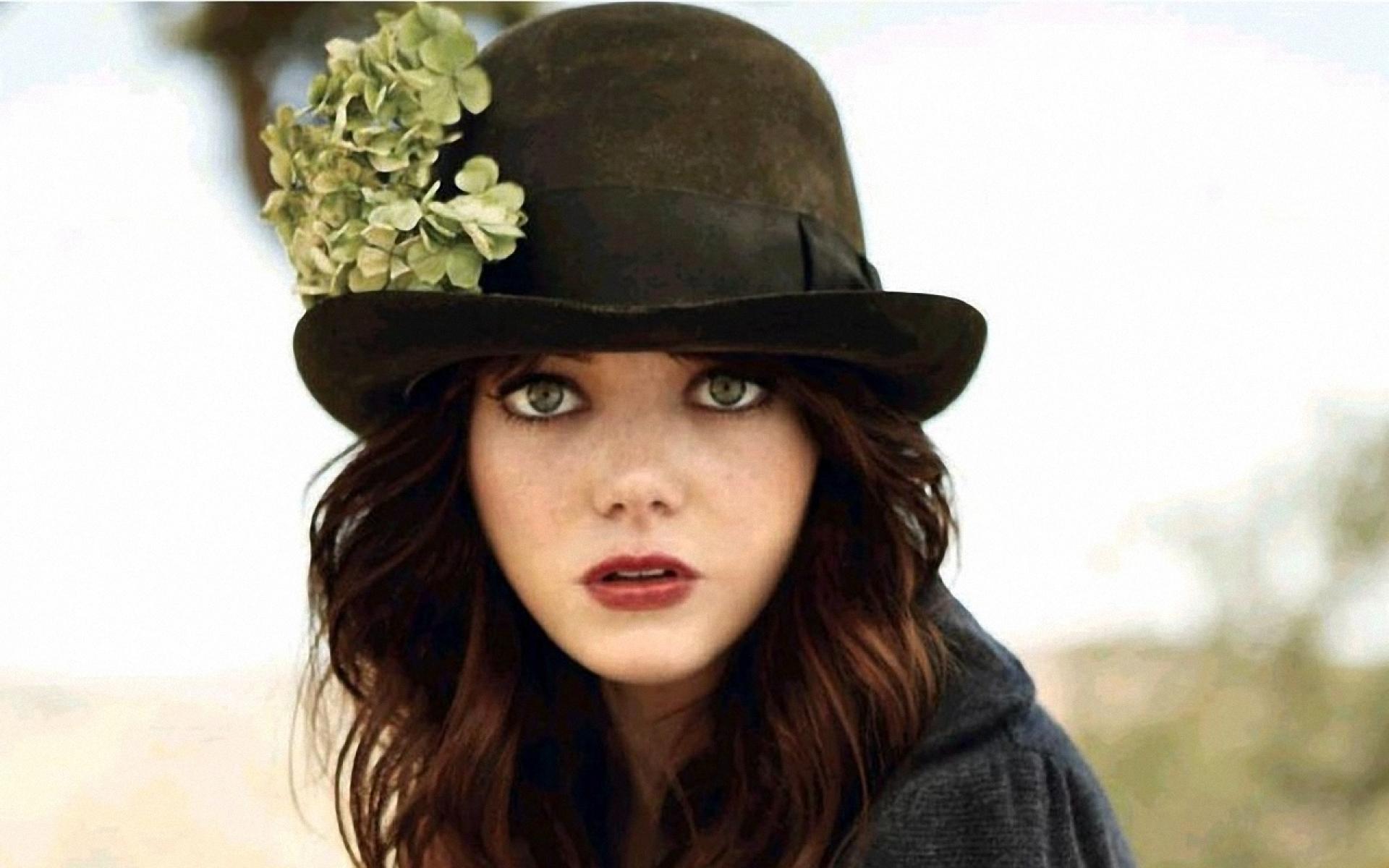 Emma Stone Black Hat wallpaper 1920x1200