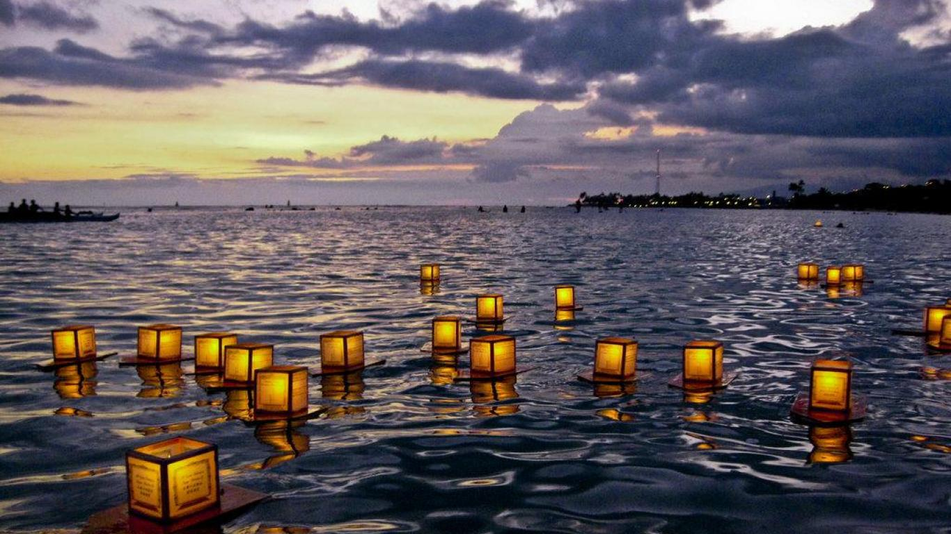Hd Wallpapers Floating Lanterns Festival Thailand 380 X 262 99 Kb Jpeg 1366x768