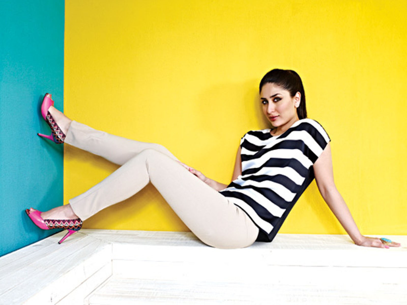 Latest Hd Wallpapers Of Hot Kareena Kapoor 2015   Full HD Wallpaper 1600x1200