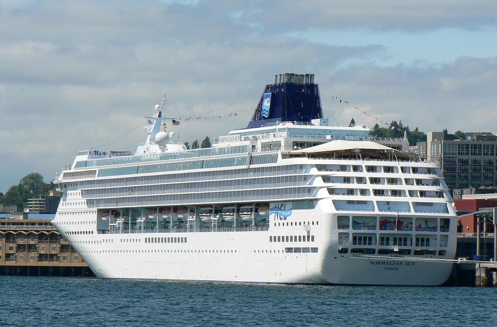 FileSeattle Cruise Shipjpg   Wikipedia the encyclopedia 1024x675