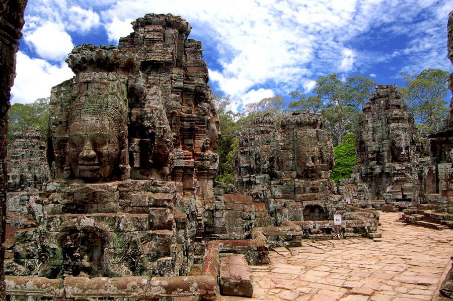 Angkor Wat Temple complex Banyon in Siem Reap Cambodia   Pixdaus 900x599