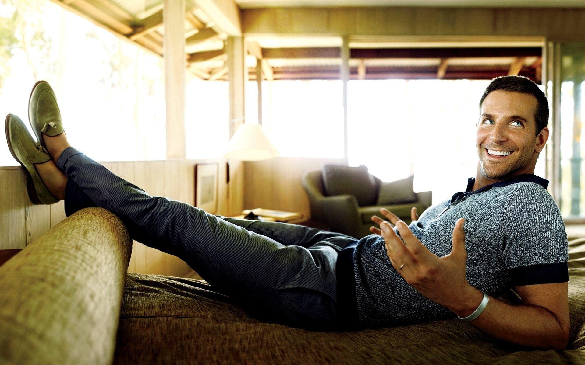 Bradley Cooper Sitting Wallpaper The Hype BR 1920x1200