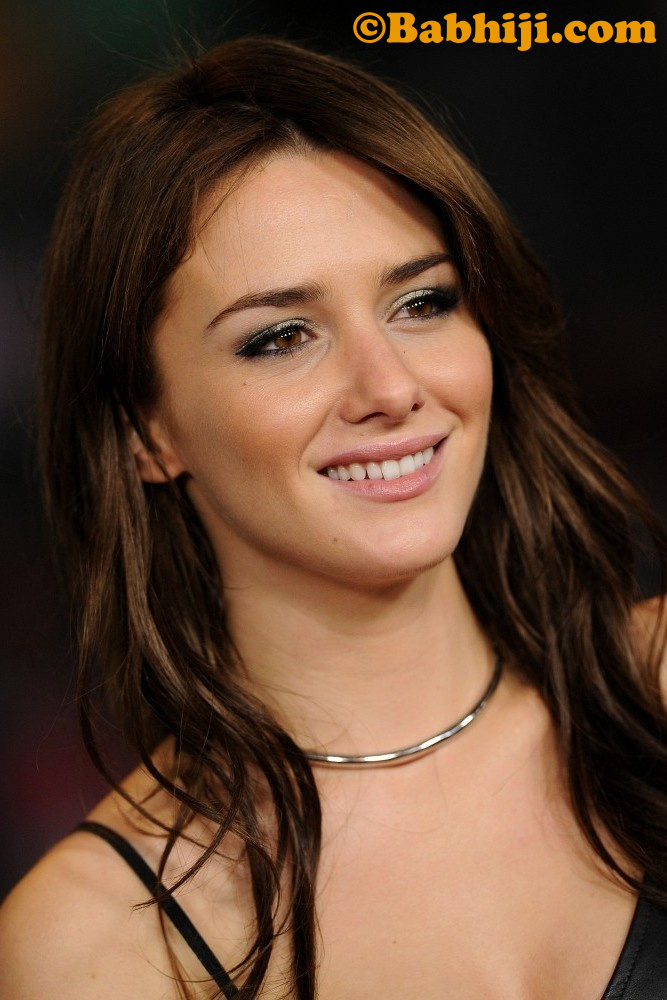 Addison Timlin Photo 03   Mobile Wallpapers 667x1000