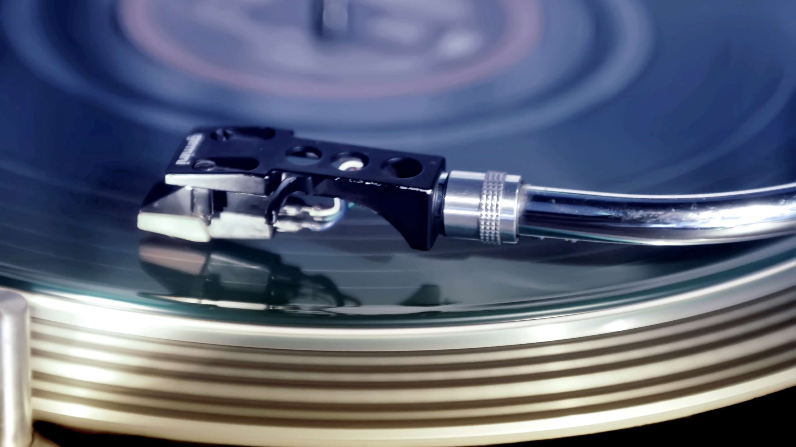 Table Record Player wallpaper for your iMac HD Wallpapers Source 2560x1440