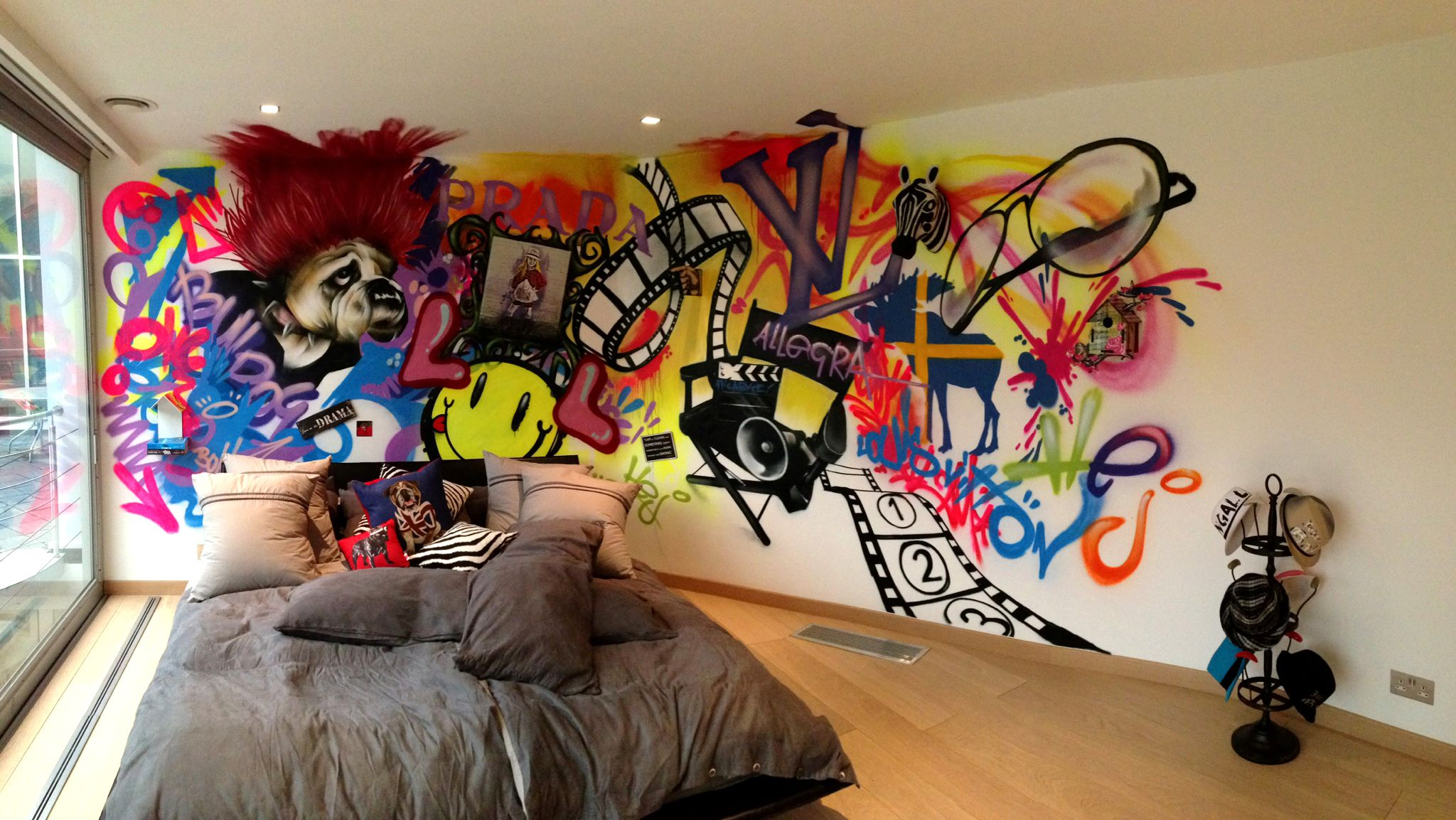 Graffiti wallpaper for bedrooms hd wallpapers lovely 2048x1153