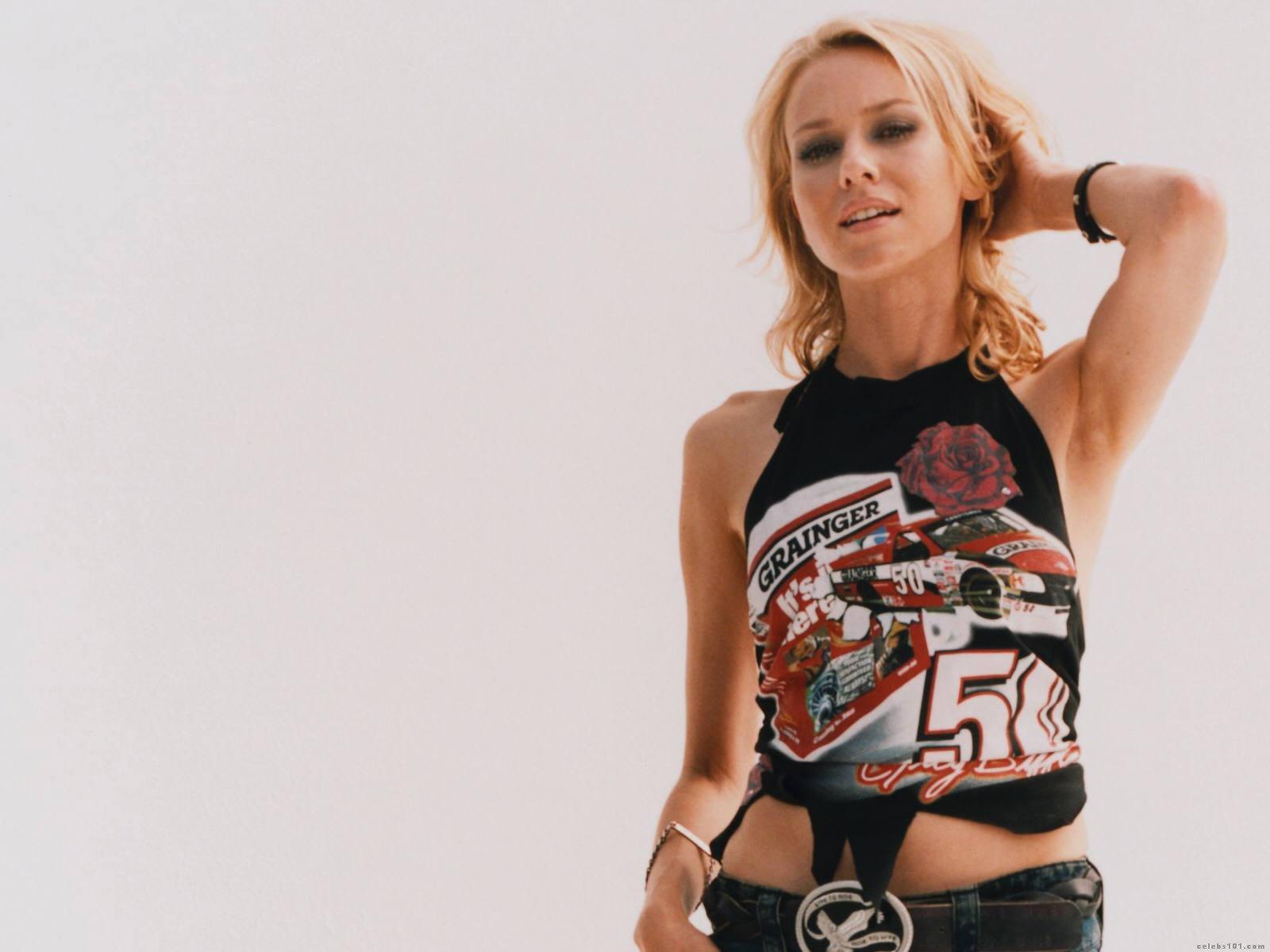 Naomi Watts High quality wallpaper size 1600x1200 of Naomi Watts 1600x1200