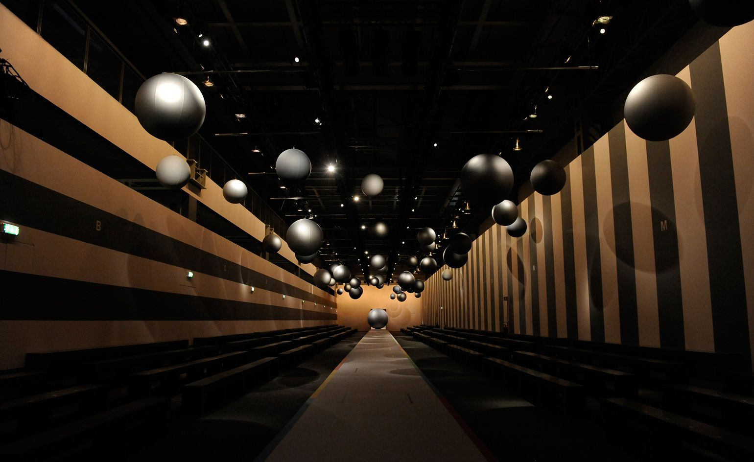How technology is setting the fashion show agenda from holograms 1540x944