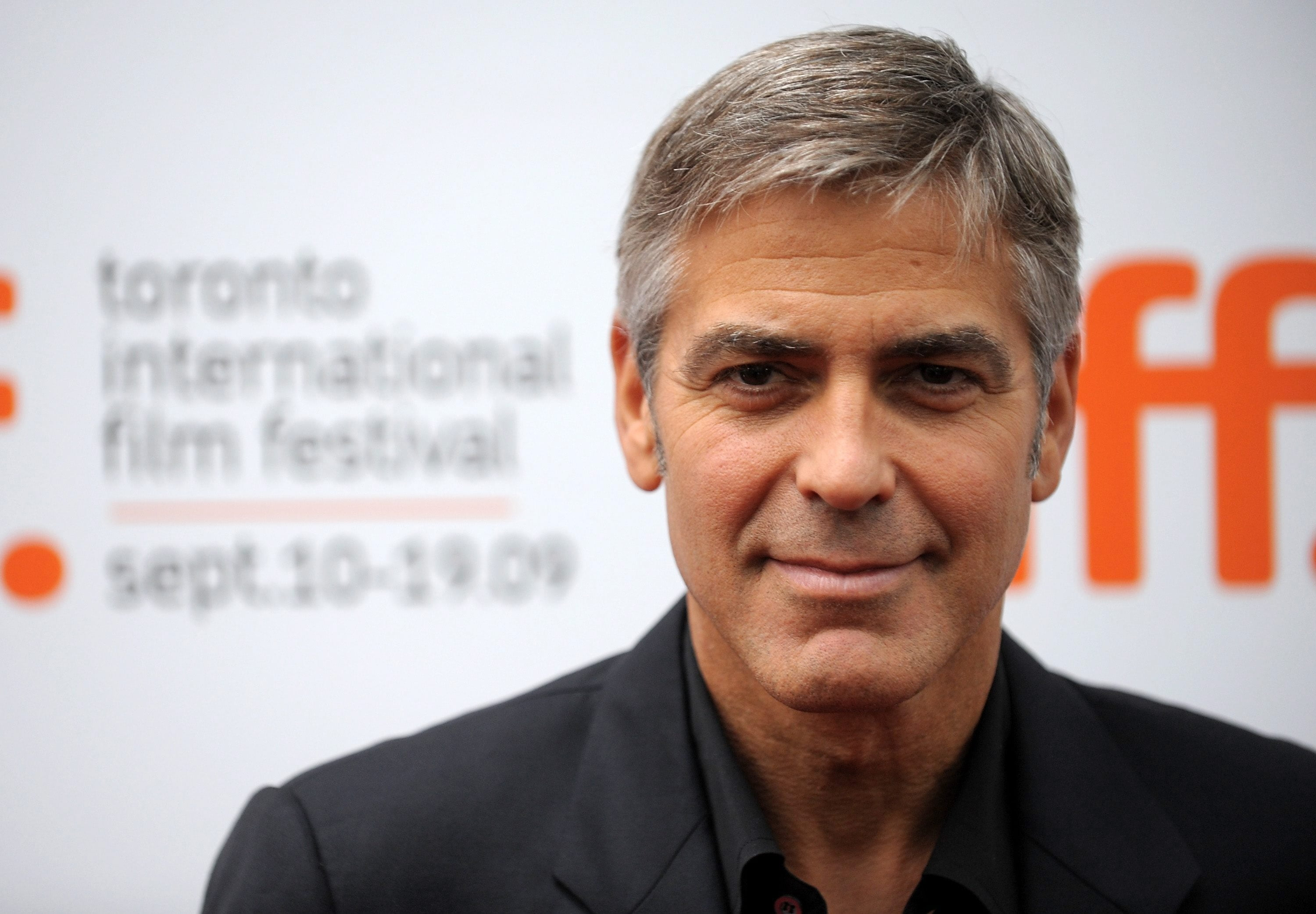 HD wallpaper George Clooney celebrity actor hollywood gray 3000x2084