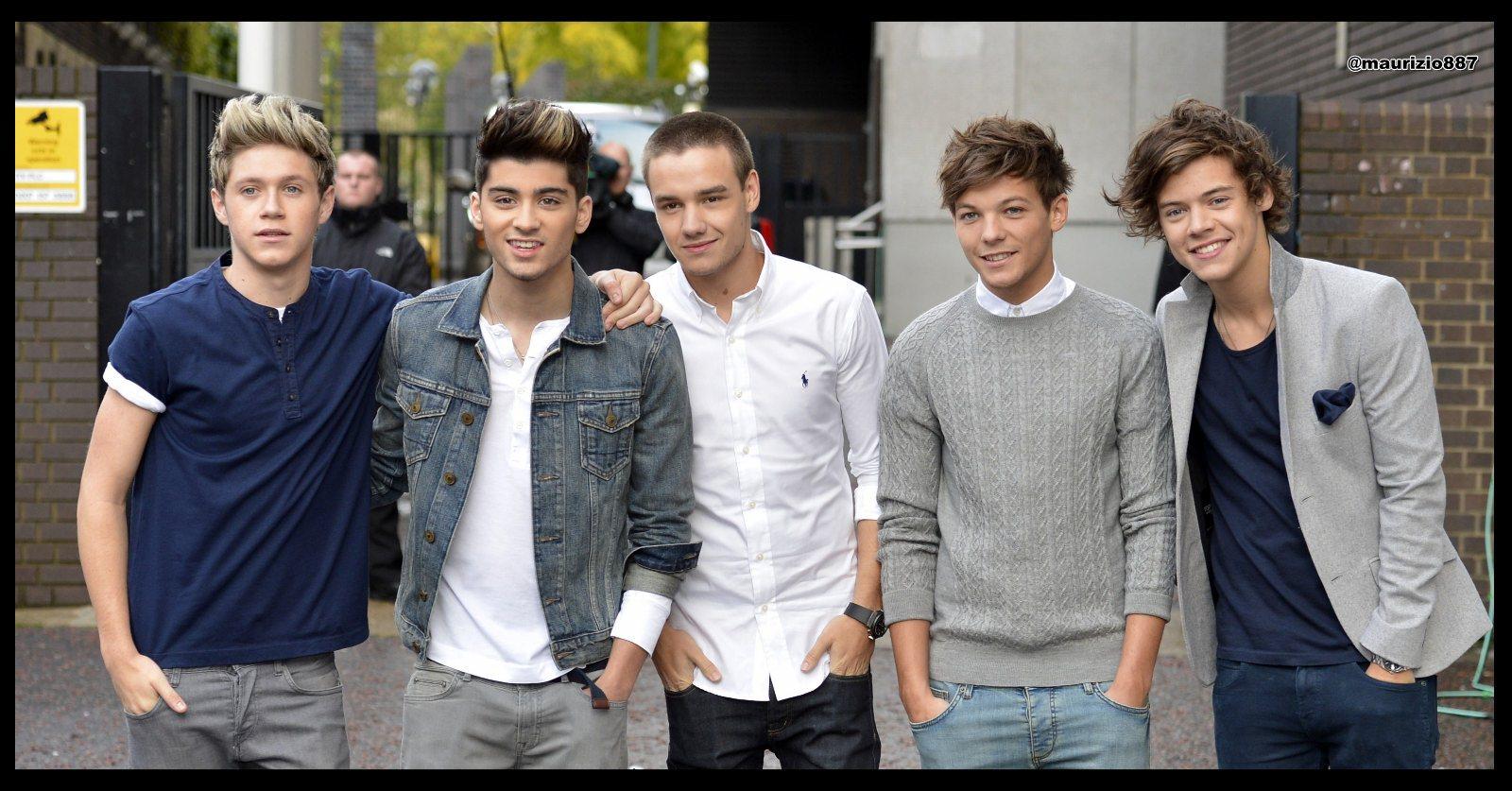 Description One Direction Wallpaper is a hi res Wallpaper for pc 1600x837