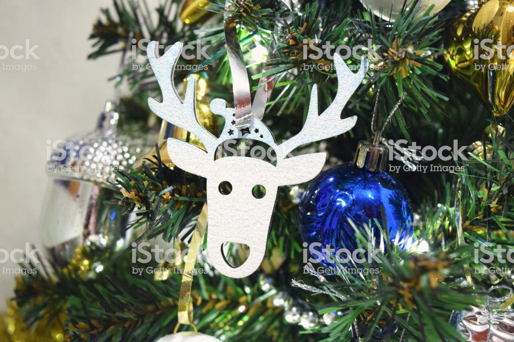 Christmas Tree Decoration Close Up Deer Toy New Year Garland 1024x682