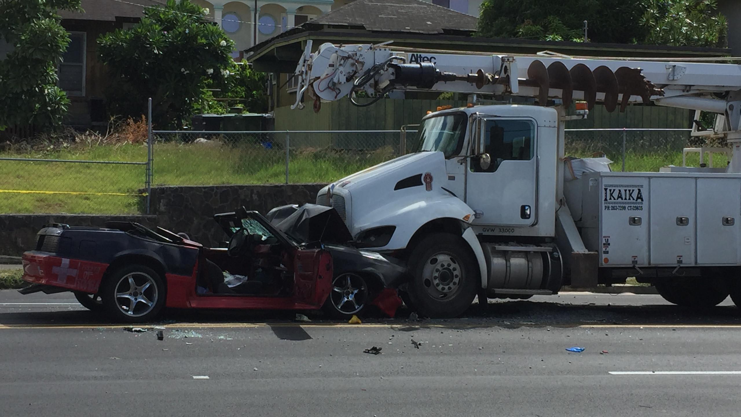 Head on collision in Kalihi leaves one man dead 2560x1440
