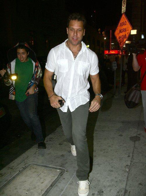 Dane Cook photos pictures stills images wallpapers 500x673