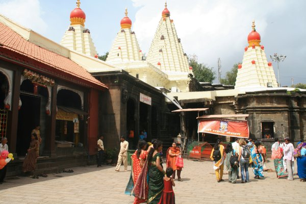 Mahalaxmi Temple Kolhapur Photo 600x400