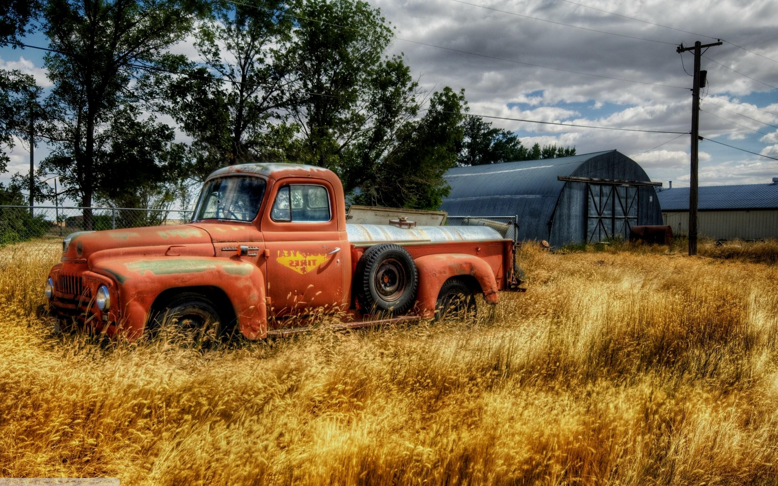The gallery for    Old Truck Wallpaper 2560x1600