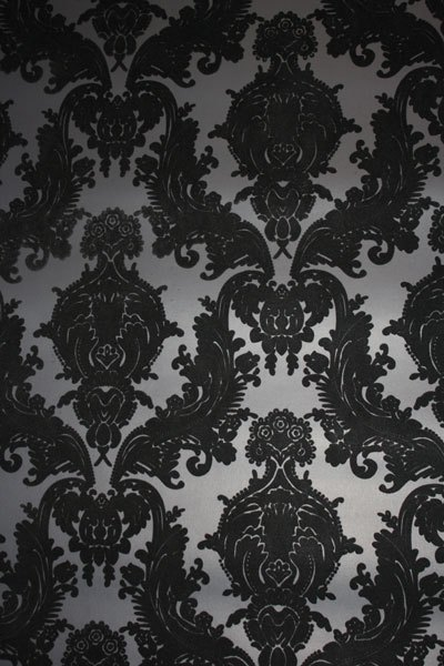 The standard print for velvet wallpaper and a variation of the one I 400x600