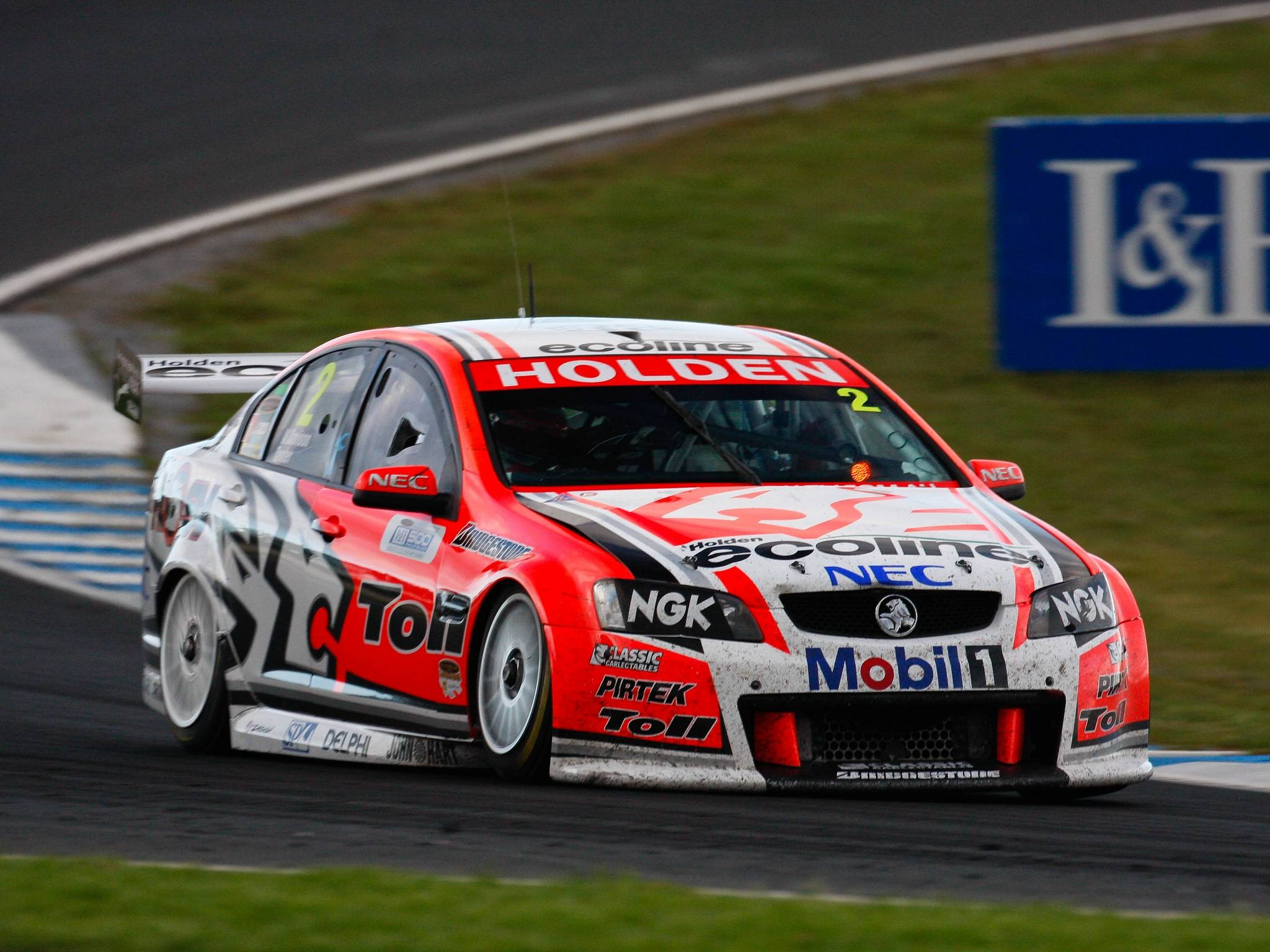 V8 Supercars Wallpapers 2048x1536